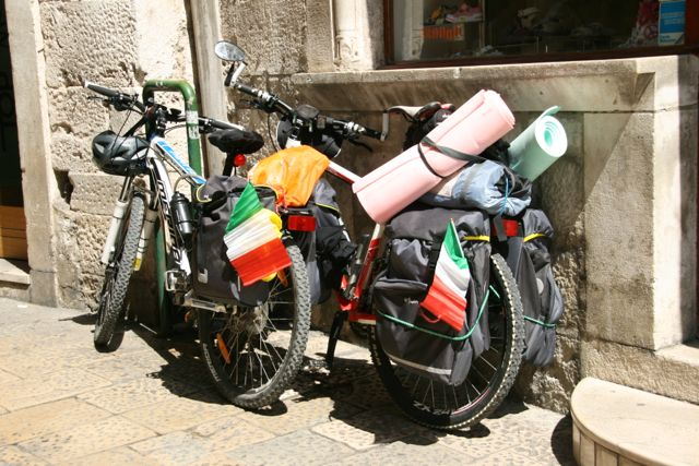 fully loaded touring bikes