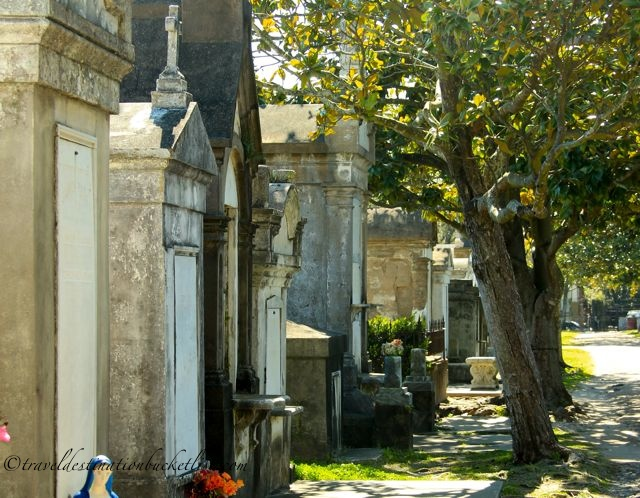Cemetery tours in New Orleans