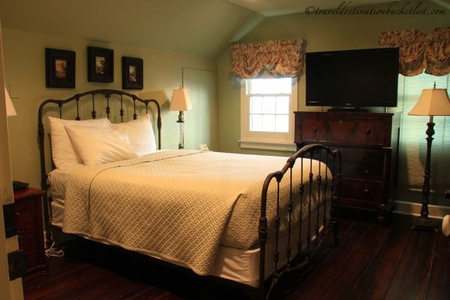 spend the night at a Louisiana plantation