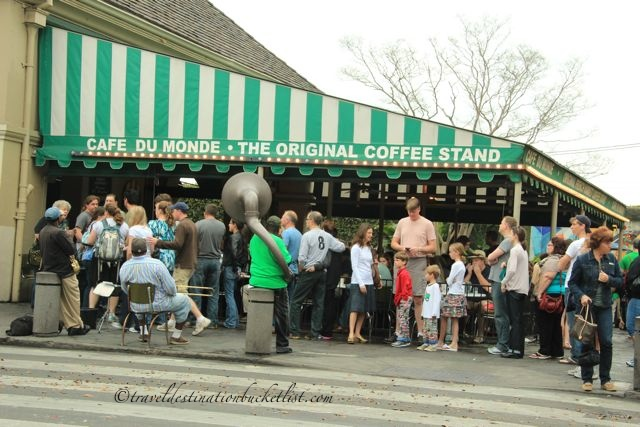 Crowds gather at the Cafe Du Monde, New Orleans