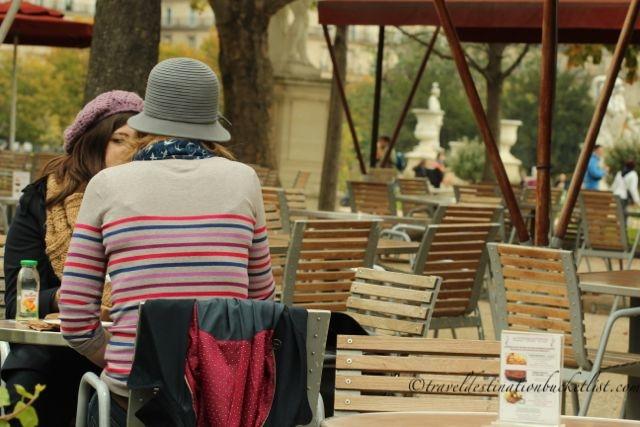 Paris - coffee in the Park